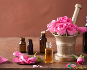Mặt nạ mật ong & hoa hồng trị nẻ da mặt rất hiệu quả