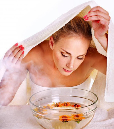 Xông hơi thải độc là một trong những cách làm đẹp sau sinh được nhiều chị em áp dụng hiệu quả - Hình minh họa.