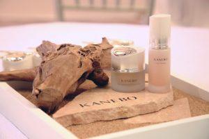 Kanebo là một trong số những thương hiệu mỹ phẩm chăm sóc da Nhật Bản không chỉ được yêu thích trong nước mà còn trên toàn thế giới.