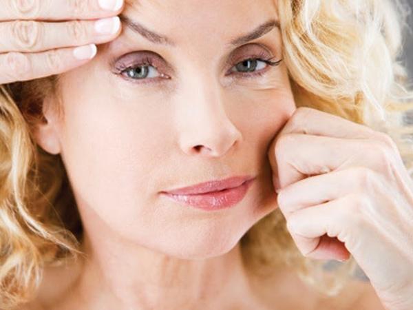 Tuổi 40 là thời điểm da xuất hiện các dấu hiệu lão hóa như nếp nhăn, sự chùng chảy,... rất rõ rệt