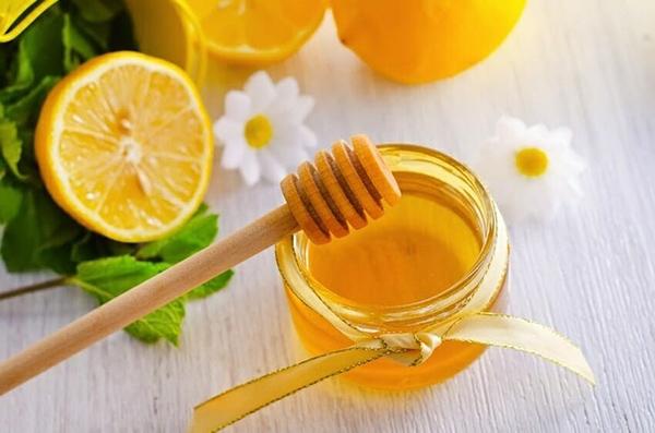 Mật ong chanh là công thức chống lão hóa đầu bảng