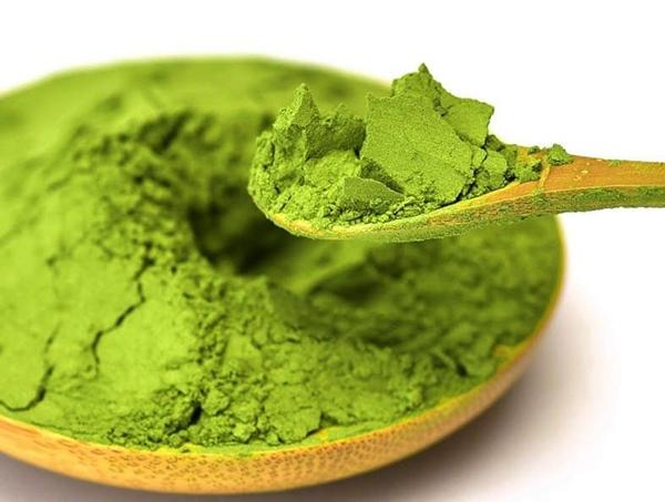 Bột trà xanh kết hợp với bột cám gạo nếp sẽ cho hiệu quả trẻ hóa da
