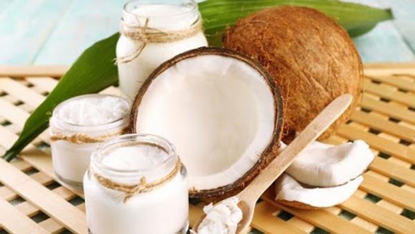 Đứng đầu bảng khi kết hợp với sữa chua để chống lão hóa da chính là dầu dừa