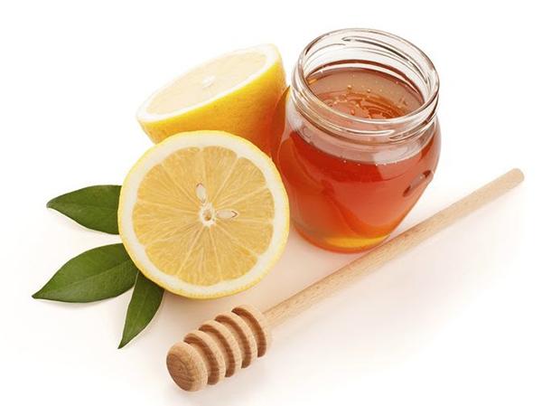 Chống lão hóa da bằng thiên nhiên với chanh & mật ong là cách được nhiều chị em lựa chọn