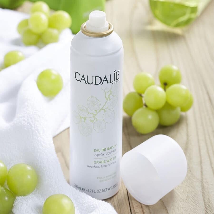 """Nếu đã """"phải lòng"""" Caudalie, xịt khoáng dưỡng ẩm của hãng này là sản phẩm nên thử"""