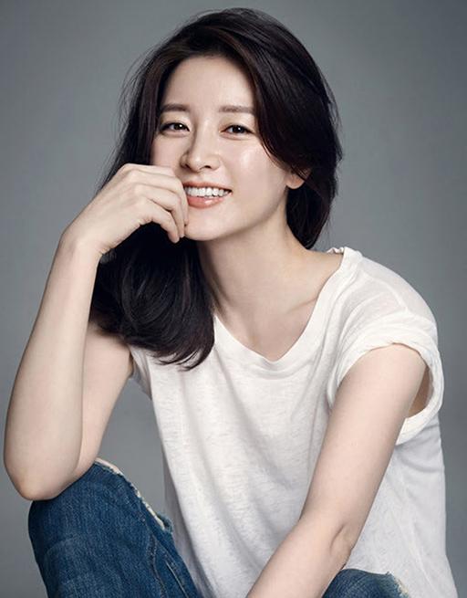 Nét đẹp thách thức thời gian của Lee Young Ae