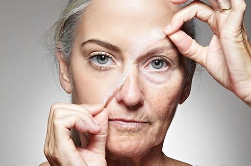 Chống lão hóa da tuổi 50 là vấn đề được đa số chị em đang ở độ tuổi này quan tâm