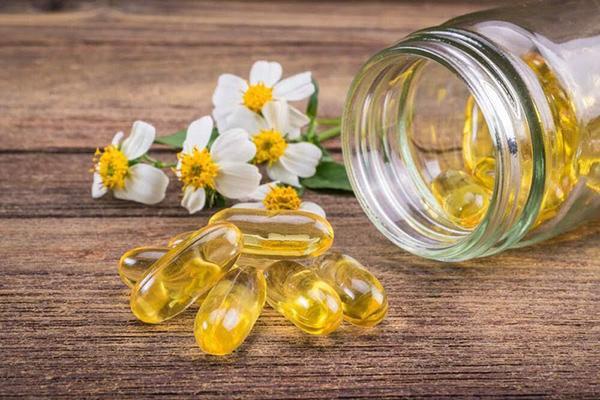 Ngoài sử dụng vitamin E chống lão hóa người ta còn dùng nó để điều chỉnh sắc tố da