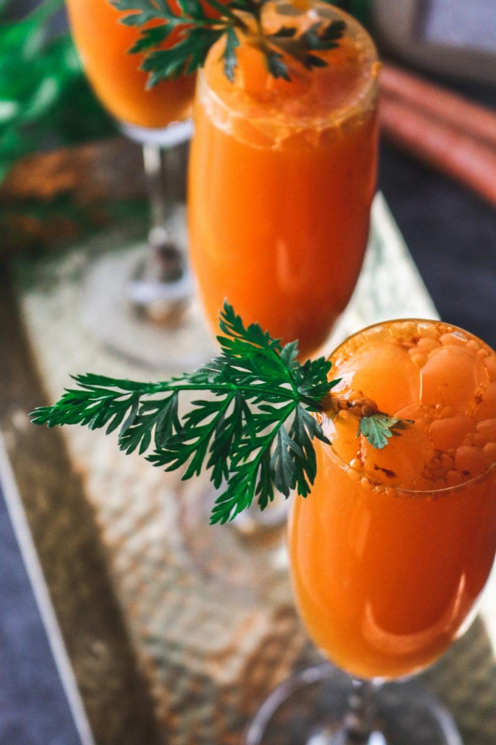 Thức uống detox gừng và cam mang đến lợi ích cho cả sức khỏe, làn da và vóc dáng của bạn