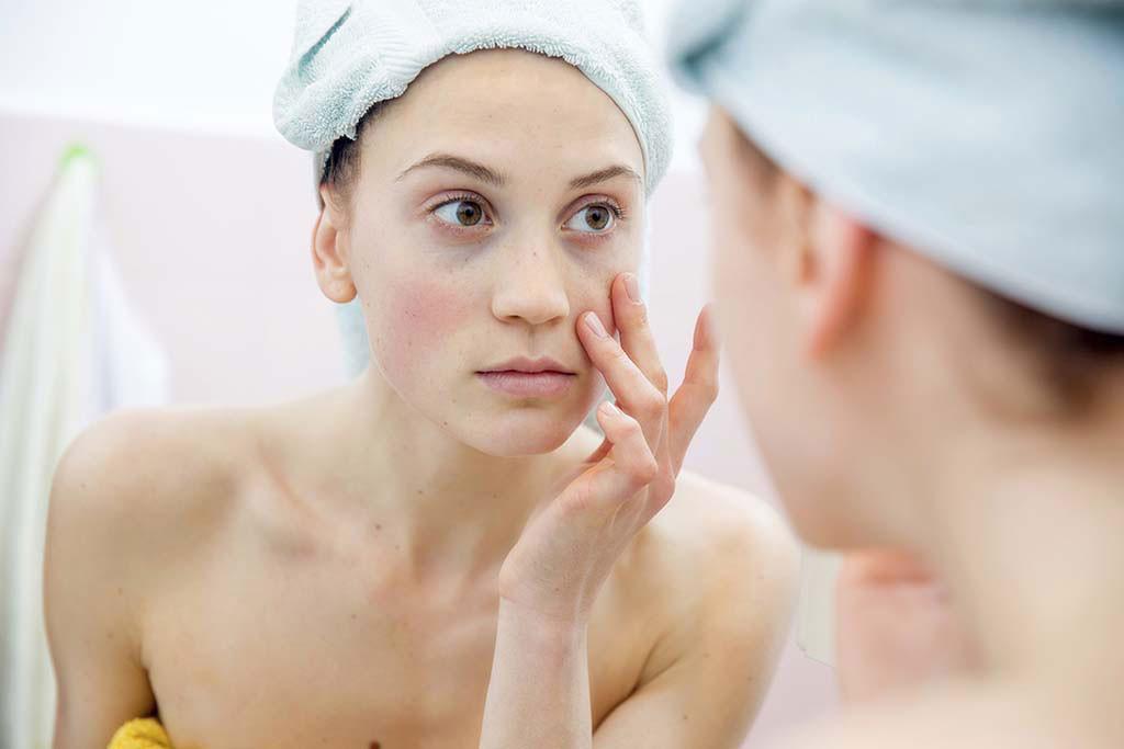 Nàng có da nhạy cảm cần tìm hiểu kỹ thành phần và làm theo đúng hướng dẫn sử dụng.