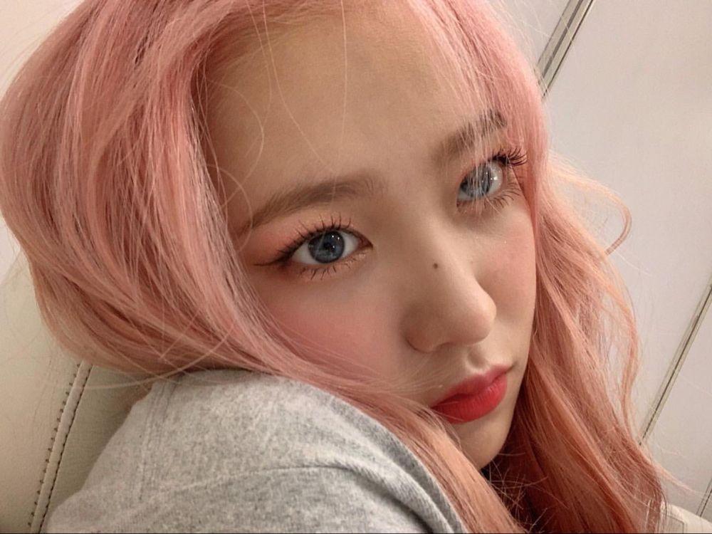 Yeri làm đẹp tóc hồng